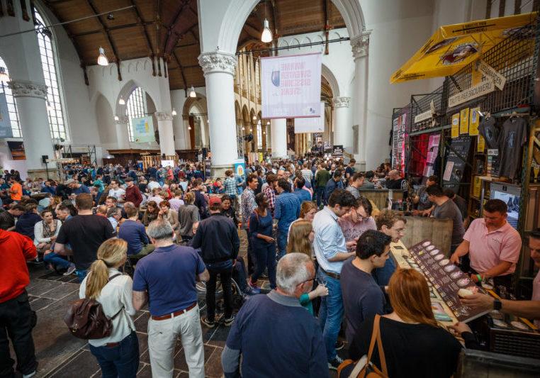 Brouwerijen-presenteren-ruim-250-verschillende-bieren-tijdens-Bierproeffestival-16-mei-tot-18mei